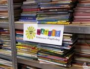 Újabb 5 ezer mesekönyv mesedoktoroktól a gyermekkórházakba