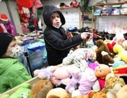 Kisautó, baba, társasjáték volt a sláger a karácsony előtti 500 családot támogató jótékonysági ajándékválasztón
