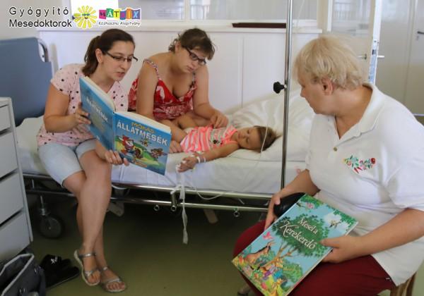 Mesedoktorok, kórházi meseolvasás